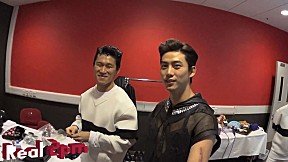 [Real 2PM] Selfie Stick Play in Hong Kong