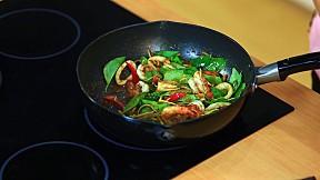 Modern9 Cooking by Yingsak - Cooking Guru อาจารย์ยิ่งศักดิ์ กับคุณจตุภูมิ โอภาสสดใส ตอนที่ 4 [3\/3]