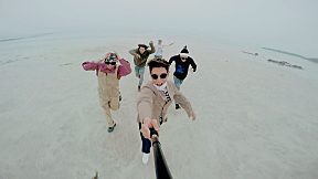 BIGBANG - \'WE LIKE 2 PARTY\' M\/V