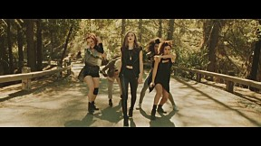 The Chainsmokers - Don\'t Let Me Down_feat Daya [Official Music Video]