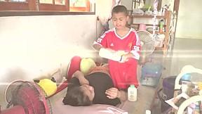 ตีสิบเดย์ (AT TEN DAY) 25 มี.ค. 60 สุดยอด!!เด็ก 10 ขวบป่วยหนัก แต่ขอดูแลแม่ที่ป่วยกว่า