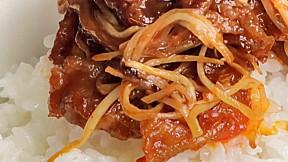 豬腩肉芽菜蓋飯 Pork Belly Bean Sprouts with Rice