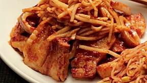 菜包魷魚豬腩肉 Squid Bossam
