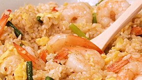 大蒜蝦仁炒飯 Shrimp & Garlic Fried Rice