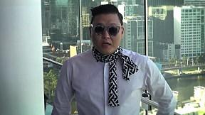 PSY - Doing Gangnam Shake