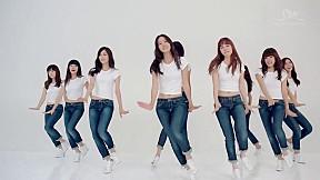 Girls\' Generation - \