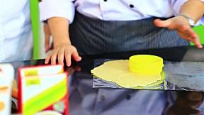 Modern9 Cooking by Yingsak - Bakery Lovers ตอนวิธีทำ ต้มข่าคีชพาย [1\/3]
