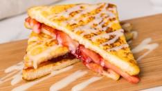 """วิธีทำ เมนู """"สตรอว์เบอร์รีเฟรนช์โทสต์"""" เติมความหวาน กับมื้อเช้าอันแสนอบอุ่น!"""