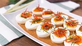 """วิธีทำ """"ฉู่ฉี่ไข่ต้ม"""" เมนูไข่รสเข้มข้น มาพร้อมสูตรพริกแกงตำสด!"""