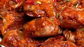 醬油蟹 vs 豬肉泡菜湯  Marinated Crab vs Kimchi Stew with Pork