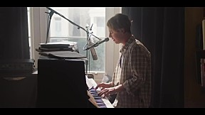 Tom Odell - Half As Good As You_feat Alice Merton (Official Music Video)