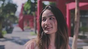Manassavee - แค่ได้เจอ (Aww!) (Official Music Video)